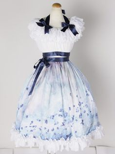 I just love the way a lot of Lolita fashion echoes styles from the past. Sky Jewerly by Triple Fortune Harajuku Fashion, Kawaii Fashion, Lolita Fashion, Cute Fashion, Fashion Outfits, Dress Fashion, Rock Fashion, Fashion Shirts, Gothic Fashion