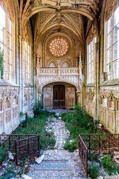 Romantic Abandoned Places – Fubiz Media