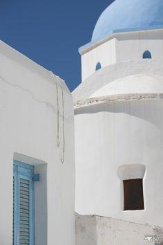 Maisons blanches et toits bleus, le classique de Santorini