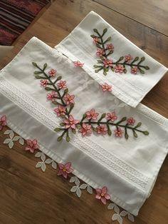 Crochet Bedspread, Needle Lace, Baby Knitting Patterns, Elsa, Model, Napkins, Tableware, Fringes, Towels