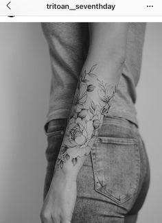 Floral forearm on my German Friend 🌸🌿 Feminine Tattoo Sleeves, Delicate Tattoo, Dainty Tattoos, Feminine Tattoos, Pretty Tattoos, Love Tattoos, Beautiful Tattoos, Body Art Tattoos, Forarm Tattoos