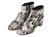 50 Awesome Fall Boots For EVERYONE  #refinery29  http://www.refinery29.com/fall-boots-2014#slide6  Chunky Ankle Boots
