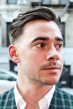 Short Sides long Top - Trendy Haircuts For Men To Update Your Look In 2020 ★ Latest Haircut For Men, Trendy Mens Haircuts, Latest Haircuts, Trending Haircuts, Popular Haircuts, Mens Medium Length Hairstyles, Mens Hairstyles With Beard, Cool Hairstyles For Men, Hairstyles Haircuts