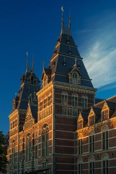 Rijksmuseum Amsterdam, the Netherlands, by Cuypers. Renovation: Cruz y Ortiz Amsterdam Things To Do In, I Amsterdam, Utrecht, Leiden, Museum Architecture, Ancient Architecture, Beautiful Buildings, National Museum, Wanderlust