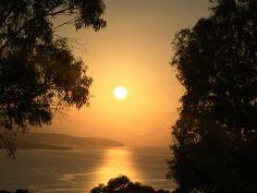 Sunrise over Betsey Island over the River Derwent #Tasmania @tasmania  www.parkmyvan.com.au #ParkMyVan #Australia #Travel #RoadTrip #Backpacking #VanHire #CaravanHire