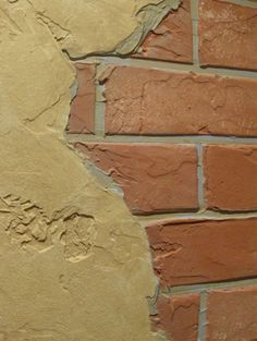Faux brick with faux plaster Faux Finishes For Walls, Brick Accent Walls, Faux Brick Walls, Accent Walls In Living Room, Wall Finishes, Drywall Texture, Faux Painting, Plaster Walls, Graffiti Wall