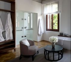 Venice Italy Luxury Resort- luv colour palate, grey taupe black and some wood Palazzo, Fine Hotels, Great Hotel, Hotels And Resorts, Luxury Hotels, Beautiful Bathrooms, Clawfoot Bathtub, Interior Design, House