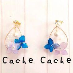 しずく型紫陽花の押し花とかすみ草のイヤリング(ピアス)②