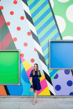 Draper James Navy Fit and Flare Dress Mural de bolinhas às riscas Los Angeles Murals Street Art, Mural Wall Art, Graffiti Wall, Instagram Wand, School Murals, Inspiration Wall, Wall Treatments, Cool Walls, Wall Colors