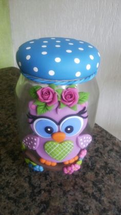 Biscuit Clay Jar, Clay Mugs, Cute Polymer Clay, Polymer Clay Projects, Tin Can Crafts, Diy And Crafts, Bottle Centerpieces, Recycled Glass Bottles, Fairy Jars