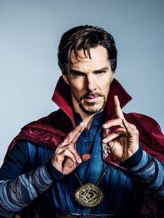 ATUALIZADO em 06/04/2016com nova foto oficial de Benedict Cumberbatchcomo o Doutor Estranho. As filmagens encerraram em Nova York nesta semana: