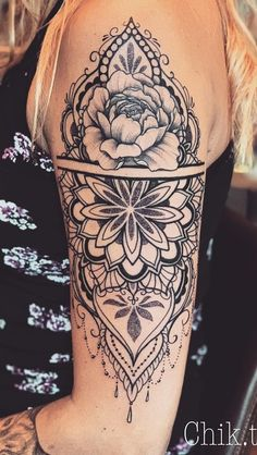 200 Photos of the tattoos to the female in the arm to get inspired Simple Tattoos For Women, Shoulder Tattoos For Women, Arm Tattoos For Women, Unique Tattoos, Beautiful Tattoos, Upper Arm Tattoos, Back Tattoos, Leg Tattoos, Body Art Tattoos