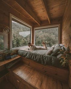 With so many of us off work, Friday has lost a bit of it's meaning but that doesn't mean we can't still get cozy and enjoy a couple of days of relaxation! Every day we bring you more cozy images to enjoy. Come back for more coziness tomorrow. Aesthetic Bedroom, Cozy Place, Cabins In The Woods, Dream Rooms, House Rooms, Cheap Home Decor, Home Interior Design, Interior Livingroom, My Dream Home