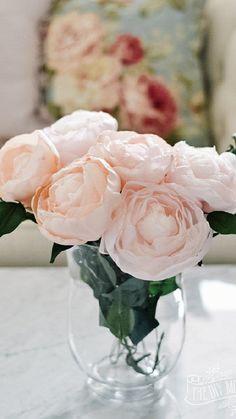 Making Fabric Flowers, Paper Flowers Diy, Fake Flowers, Handmade Flowers, Flower Crafts, Felt Flower Tutorial, Bow Tutorial, Coffee Filter Flowers, Fleurs Diy