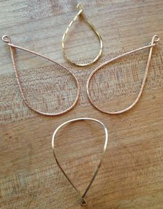 We already covered how to make your own hoop earrings. In this tutorial, we show you four different ways to texturize your earrings to give them even more personality.