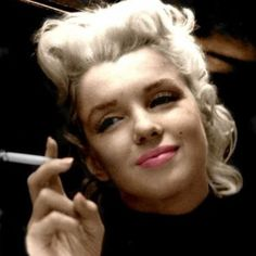 Net Image: marilyn monroe: Photo ID: . Picture of Marilyn Monroe - Latest Marilyn Monroe Photo. Marylin Monroe, Fotos Marilyn Monroe, Joe Dimaggio, Brigitte Bardot, Hollywood Glamour, Old Hollywood, Most Beautiful Women, Beautiful People, Hello Beautiful