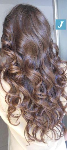 Sfumature Cioccolato _ Degradé Joelle. #cdj #degradejoelle #tagliopuntearia #degradé #igers #musthave #hair #hairstyle #haircolour #longhair #ootd #hairfashion #madeinitaly #wellastudionyc