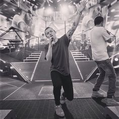 onedirection: Excited much? #OnTheRoadAgain1D  (One Direction/Calvin Aurand)