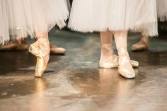 Find images and videos about shoes, dance and ballet on We Heart It - the app to get lost in what you love. Ballet Feet, Ballet Shoes, Dance Shoes, Toe Shoes, Tutu, Sunday Kind Of Love, Dancers Body, Dance 4, Dance Like No One Is Watching