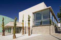 Alicante, Garage Doors, Spain, Culture, Mansions, House Styles, Outdoor Decor, Home Decor, Luxury Houses