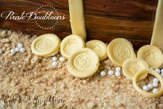 How to: Make Fondant Gold Coins ~ A few weeks ago I made a Pirate Treasure Chest Cake. It turned out even better than I imagined. There were a few parts of the cake that I thought people might want to re-create, for whatever reaso...| Eat It & Say Yum