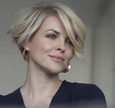 Chic Short Hair, Edgy Hair, Cute Hairstyles For Short Hair, Short Hair Cuts, Short Hair Styles, 50 Hair, Hair Dos, Growing Out Hair, Blonde Hair With Highlights