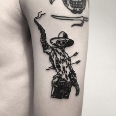 It's high noon blackwork meme tattoo inked on the left arm - Kaley Huge Belly Tattoos, Foot Tattoos, Forearm Tattoos, Finger Tattoos, Body Art Tattoos, Sleeve Tattoos, Unique Tattoos, Small Tattoos, Tattoos For Guys
