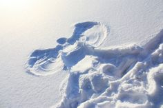 Things to Do Before You Die Make a snow angel.Have done this one, but should do one whenever in snow that is deep enough. Snow Quotes, 100 Things To Do, I Love Snow, How To Make Snow, Snow Angels, Canada, Winter Fun, Winter Snow, Winter 2017