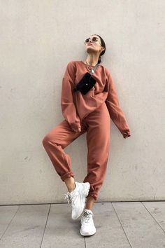 99 Impressive Street Style Outfits Ideas For Everyone To Make Awesome Looks - Sporty Outfits ❤ Cute Comfy Outfits, Chill Outfits, Sporty Outfits, Mode Outfits, Trendy Outfits, Fashion Outfits, Gym Outfits, Fitness Outfits, Colourful Outfits