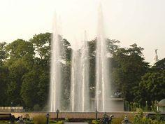 Floating Fountains.   Corporate Office and India Enquiries  17/1C Alipore Road, Kolkata -700027 Phone: 91 33 4012 1100 Fax: 91 33 4012 1155 e-mail:sales@premierworld.com                     International Operations  17/1C Alipore Road, Kolkata -700027 Phone: 91 33 4012 1135 / 4012 1138 Fax: 91 33 4012 1155 e-mail:exports@premierworld.com