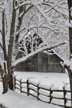 *Winter, love old barns Winter Szenen, I Love Winter, Winter Magic, Winter Christmas, Winter White, Winter Season, Magical Christmas, Christmas Images, Country Christmas