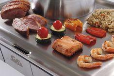 Solis je v kuchyni jako doma. Tady jsou ti nejlepší pomocníci Sausage, Meat, Food, Beef, Meal, Sausages, Essen, Hoods, Meals