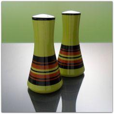 Lovely Pair of Retro 1960's 1970's Salt and Pepper Pots Cruet Set Yellow Green