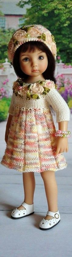 Coisas que Gosto: Crochet Doll Clothes, Knitted Dolls, Girl Doll Clothes, Doll Clothes Patterns, Crochet Dolls, Girl Dolls, Baby Dolls, Pretty Dolls, Cute Dolls