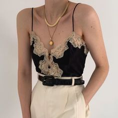 Gorgeous vintage Victoria's Secret noir pure silk buttoned camisole with peach lace and pastel floral appliqués. So special and sweet. Online now. Moda Converse, Look Fashion, Fashion Outfits, Travel Outfits, High Fashion, Dress Fashion, Fashion Clothes, Retro Fashion, Looks Style