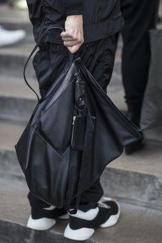 All black fashion • Rick Owens • Paris Fashion Week • Photo by Julien Boudet • bleumode.com