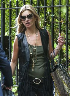 la-modella-mafia-Kate-Moss-2013-boho-chic-street-style-with-cat-eye-sunglasses.jpg (585×800)