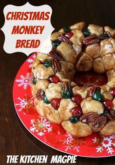 How to make Homemade Christmas Monkey Bread! Perfect for Christmas morning!