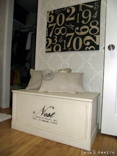 Annie Sloan Chalk Paint: Blanket Box Redo