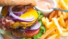 Off season specials for Where to find the best food at the best price in Ocean City! Burger Sides, American Cheese, Good Burger, Second Season, Fine Dining, Cooking Tips, Grilling, Food And Drink, Yummy Food