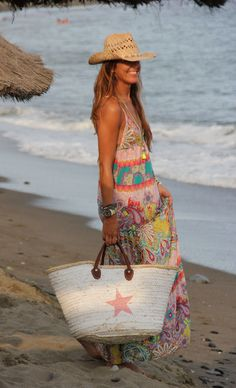 Pretty boho chic maxi, beach bag & straw cowboy hat. My summer style in a nutshell!