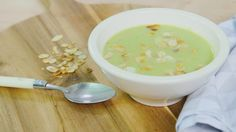 broccoli-pastinaaksoep Healthy Soup Recipes, Clean Recipes, Vegetarian Recipes, Healthy Food, Deli Food, Go For It, Homemade Soup, Light Recipes, Soup And Salad