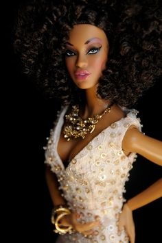 beautiful gown & jewels ♥ Gorgeous doll