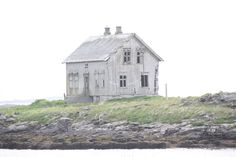 Røst, Lofoten. Norway. Lofoten, Norway, Houses, Exterior, Cabin, Architecture, House Styles, Beautiful, Home Decor