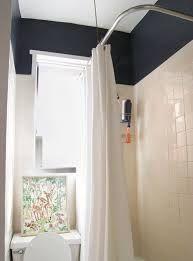Black Walls - Home Paint Ideas Black Rooms, Black Walls, Black Bath, Painted Rug, Warm Colors, House Painting, Wrought Iron, Paint Colors, Tiles