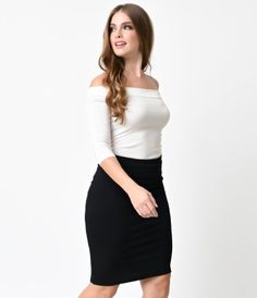 A bewitching bamboo knit top for any prestigious Pin-up! The best in 1950s inspired style, this all-over fitted white pi...Price - $22.00-i0ZM7oUU