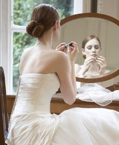 © Pronuptia - Coiffures et maquillage mariage à domicile