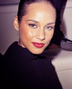 Alicia Keys ^ KM