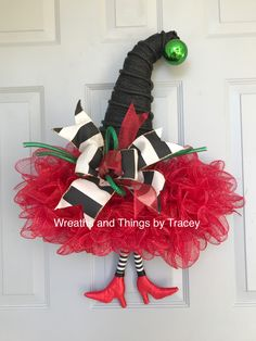 DT Hat - Wicked Witch - 2017 - Wreaths and Things by Tracey Halloween Cat Crafts, Homemade Halloween, Christmas Crafts, Outdoor Christmas Decorations, Halloween Decorations, Christmas Diy, Holiday Hats, Holiday Wreaths, Yule