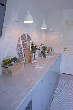 Home Decor Kitchen, Interior Design Kitchen, Kitchen Dining, Interior Design Living Room, Living Room Decor, Walk In Closet Design, House Design, Kitchens, Inspiration